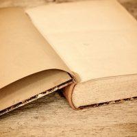a-book-657637_640