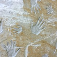hands-622114_640